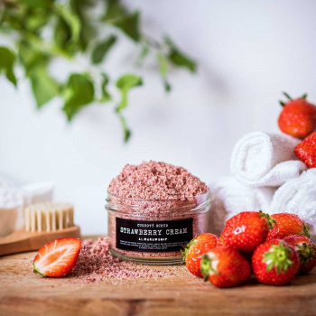 Peeling Scrub Strawberry Cream